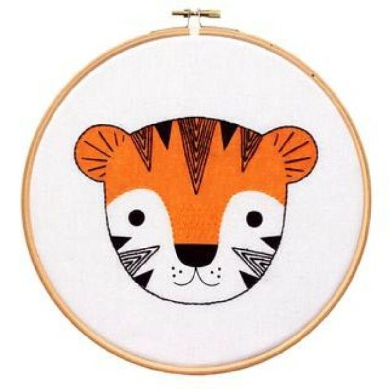 DIY Tigriskölyök Hímzőráma Dekor Készlet