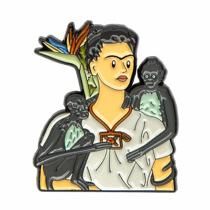 Kitűző-Frida